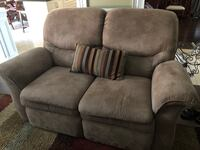 Love Seat Recliner Lazy Boy Vaughan, L4H 3P6