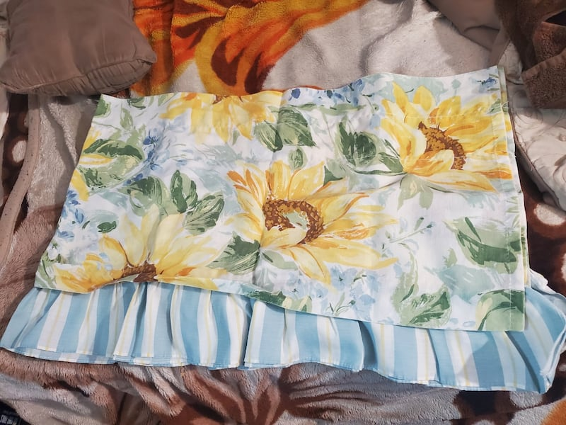 Sunflower Window Set 2dd65b77-632a-4763-9345-6f2e1f0b5197