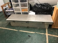 Truck bed toolbox
