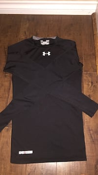 Under armour long sleeve shirt  Port Moody, V3H 5L8