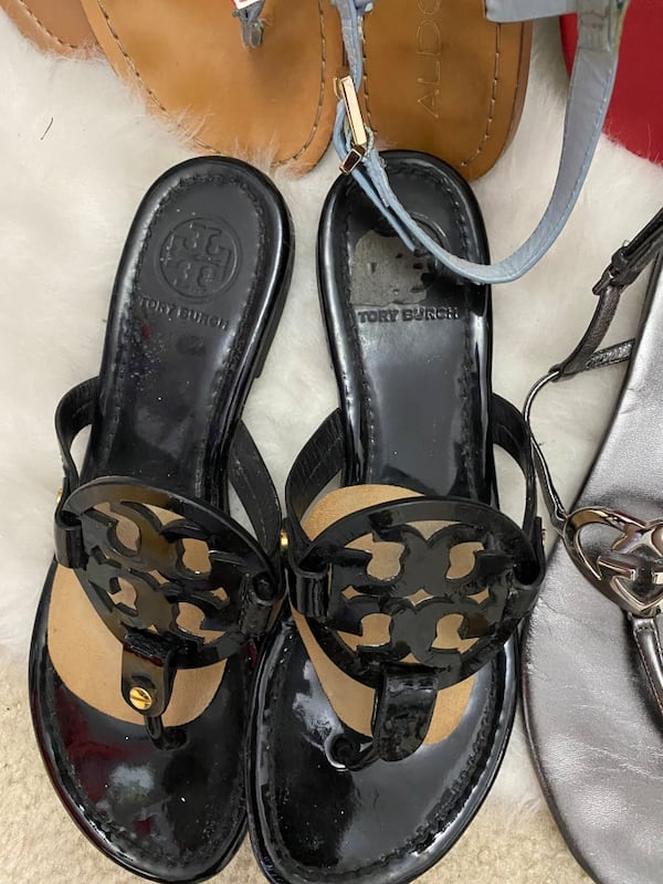 10 pairs of shoes sizes 71/2 and 8 36ee1e62-a785-43eb-9689-0b483009ceea