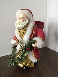 Old Santa decor