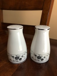 Salt and Pepper Shakers Markham, L3R 6S4