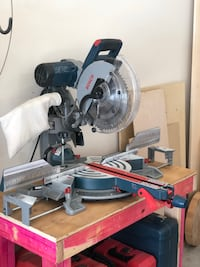 "Bosch 12"" Sliding Compound Miter Saw Clinton, 39056"