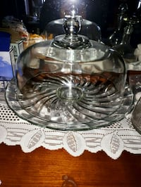 Cake stand with cover Gatineau, J8Z 3N9