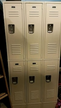 Two tier, three wide lockers with legs