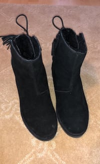 UGG Size 8 Boots (Women's) Vaughan, L4H 1Z4