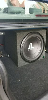 Subwoofer and amp  Utica, 13501