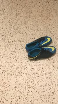 Soccer cleats size 6  Lakeland, 33805