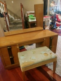 Vanity solid wood with stool