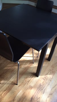 Table and 2 chairs Chevy Chase, 20815