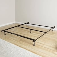 Queen bed frame  Silver Spring, 20910