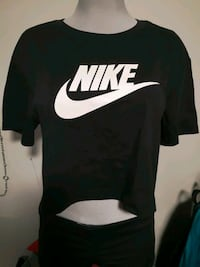 New!! Nike Crop Top-Small Winnipeg, R3N 2A7