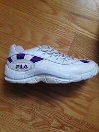 Ladies Size 7.5 Fila running shoes (excellent condition )
