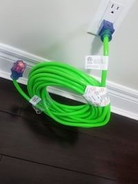 BNIB  40 Ft (12.2 m) / 12 gauge/ 15A outdoor extension cord with Power Indicator Light