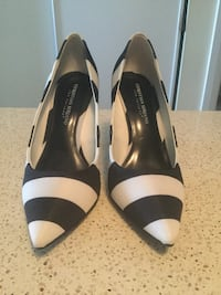 Sz 9 black and white women's shoes