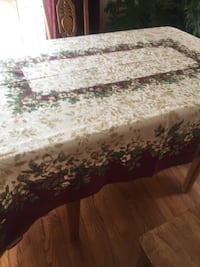 Lenox Christmas tablecloths-(4)Size and price in pics Glen Mills, 19342