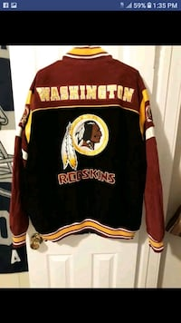 Redskins jacket 2x and hat size 7 3/8.  Los Angeles, 90032
