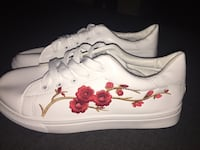 white-and-red Nike low-top sneakers Orlando, 32807