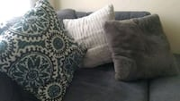 Beautiful pillows for lounge chair 5 total Laurel, 20708