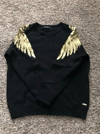 Black sweater with gold wings , 08080