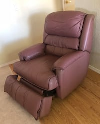 2 Pink leather Lang recliner sofa chairs each 125. Prosser, 99350