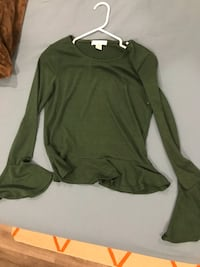 green scoop neck long sleeve shirt Victoria, V8R 1Z1