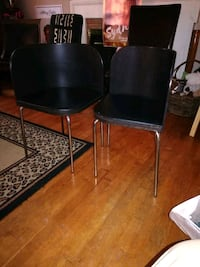 Two dining chairs Alexandria, 22308