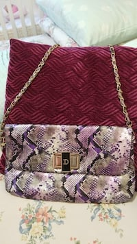 Purple Handbag with attached Chain Ajax, L1S 0A6