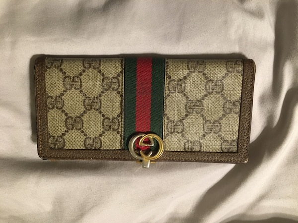 efe70fb1eb46 Used AUTHENTIC VINTAGE GUCCI WALLET for sale in Pinecrest - letgo