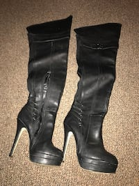 Size 6. Thigh high Leather boots.  Coventry, 02827