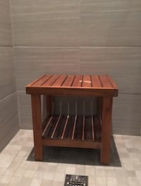 Wooden brown shower chair  Toronto, M5S
