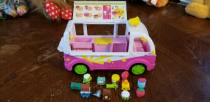shopkins toys and van