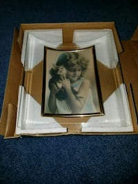 Brand new Glass 5 by 7 picture frame. Wantagh, 11793