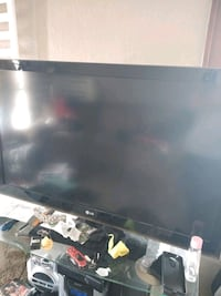 Lg flat screen tv Kansas City, 64127