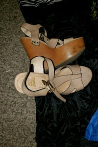 pair of brown leather open-toe sandals Tulare, 93274