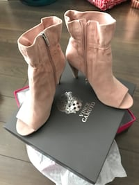 Original Vince Camuto. Retail price $225. Size 10. Brand new, never worn Oakville, L6M 5H9