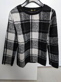 Plaid pullover with fleece back - Size XS