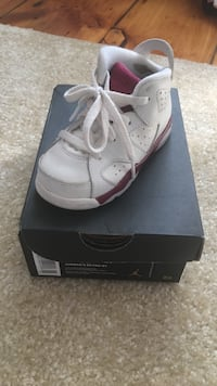 Children's white and maroon Air Jordan 6 shoe with box Worcester