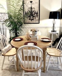 SOLID WOOD DROP LEAF DINING TABLE /w 4 WINDSOR CHAIRS - Excellent Condition Arlington, 22201