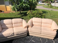 2 lazyboy leather couches Oakland Park, 33334