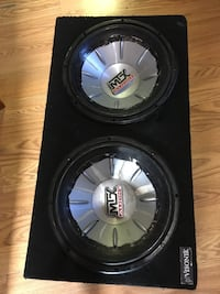 Black and gray kicker subwoofer Copiague, 11726