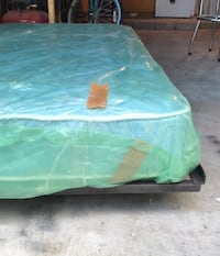 Green and white floral mattress Austin, 78729