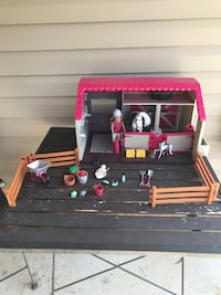 Lori Kids Barn and Stable with Accessories