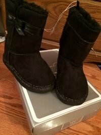 Girls size 10 black boots Reston, 20190
