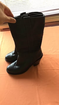 Size 6 high boots made in igaly Gatineau, J8T 5N7
