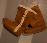 Barely used size 5 Air Walks Ajax, L1S 4E5