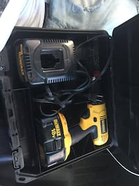 DeWalt cordless hand drill with case Barrie, L4N 9Z6
