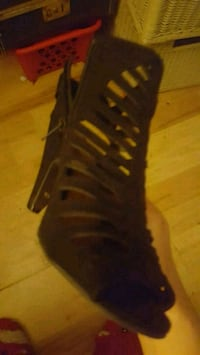 Black heels size 7 1/2 Knoxville, 37918
