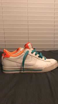 vintage nikes womens size 7 Germantown, 20874